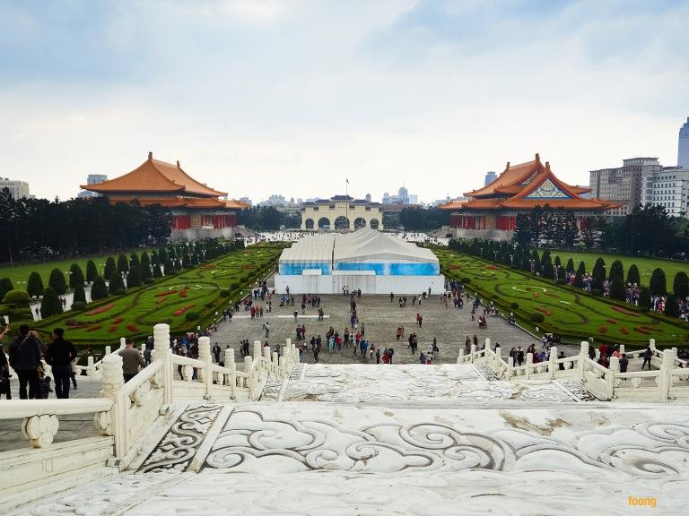 taipei, taiwan, street photography, travel photography, asia, urban, chiang kai shek