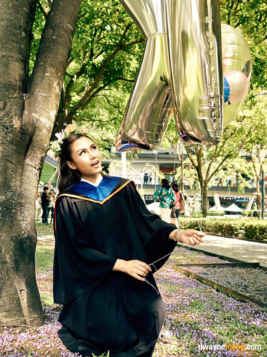 Thailand graduation photography in Bangkok Univeristy, Rangsit Campus.
